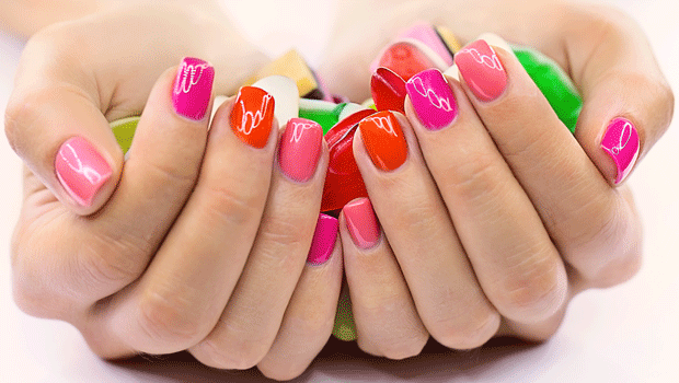 Nail art, i colori e le tendenze dell'estate 2015