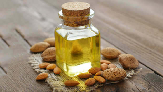 Olio di mandorle dolci: fonte naturale di bellezza